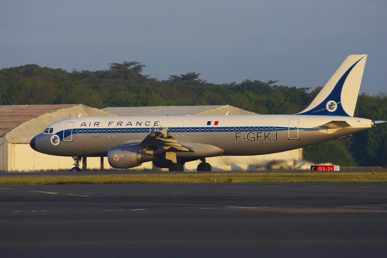 [F-GFKJ] A320 RetroJet Air France Jp0r1134