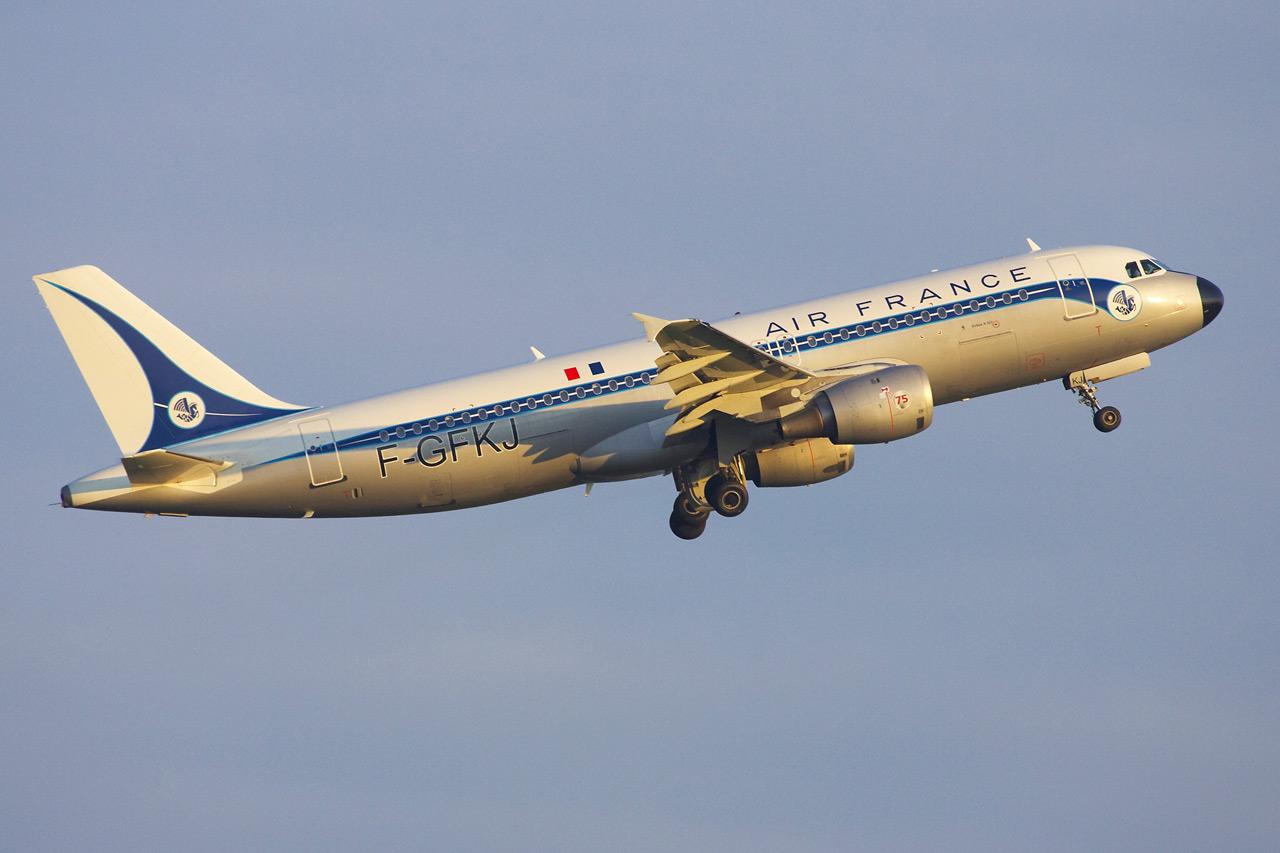 [F-GFKJ] A320 RetroJet Air France Jp0r1135