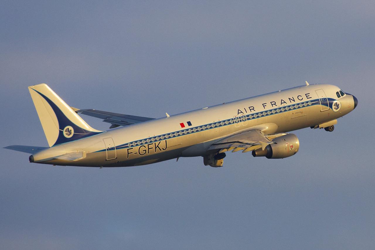 [F-GFKJ] A320 RetroJet Air France Jp0r1137