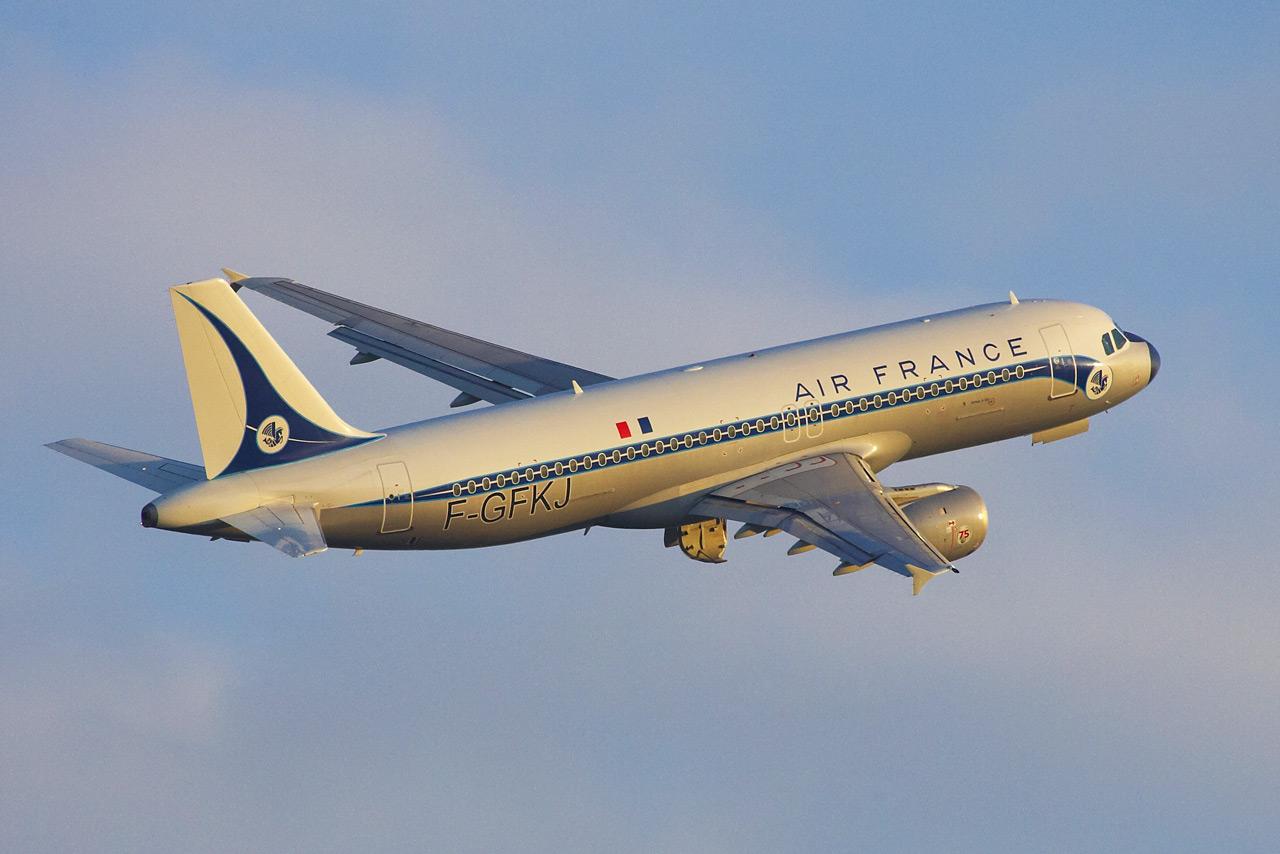 [F-GFKJ] A320 RetroJet Air France Jp0r1138