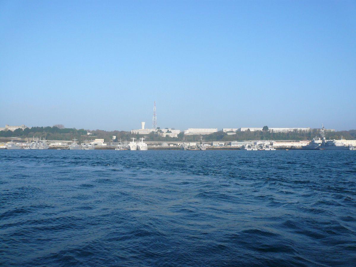 [Les ports militaires de métropole] Port de Brest - TOME 1 - Page 20 12en_r10