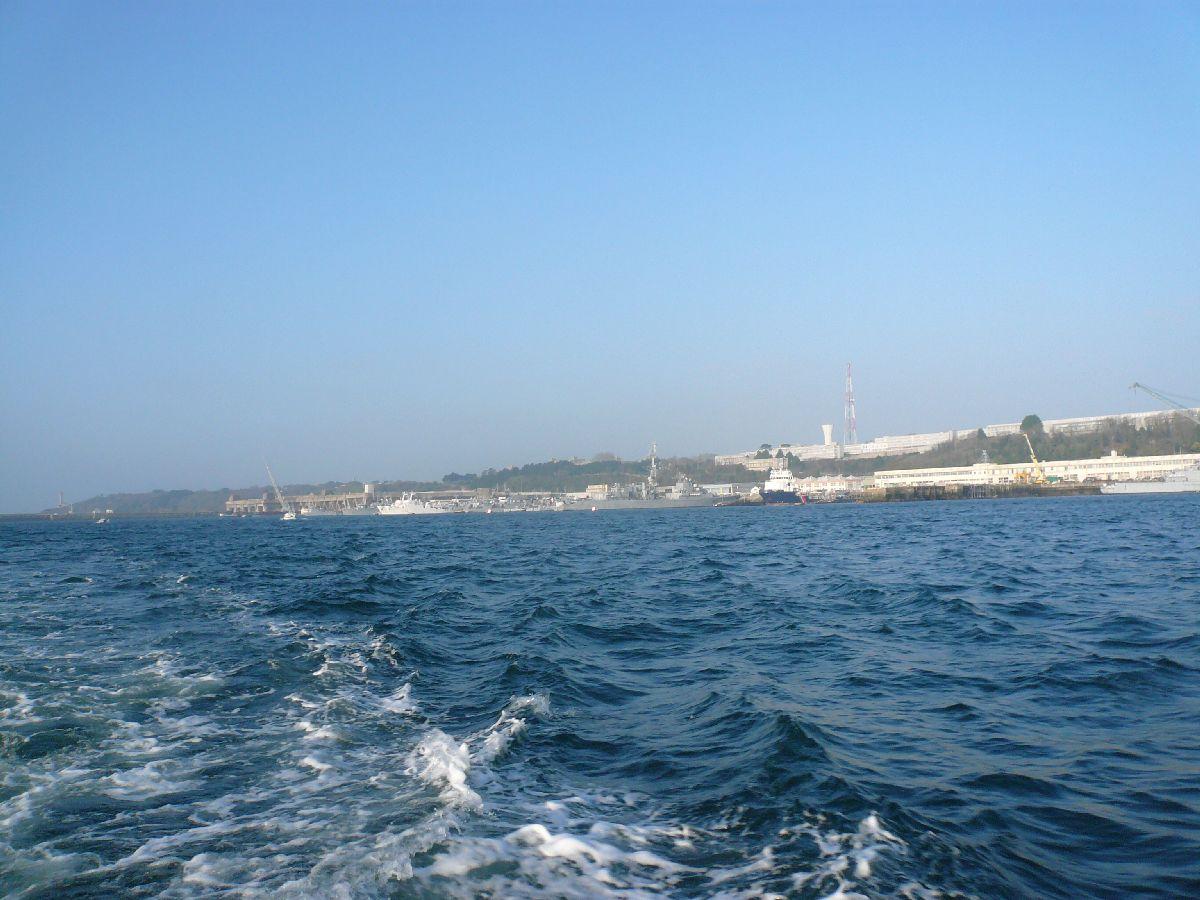 [Les ports militaires de métropole] Port de Brest - TOME 1 - Page 20 14et_t10