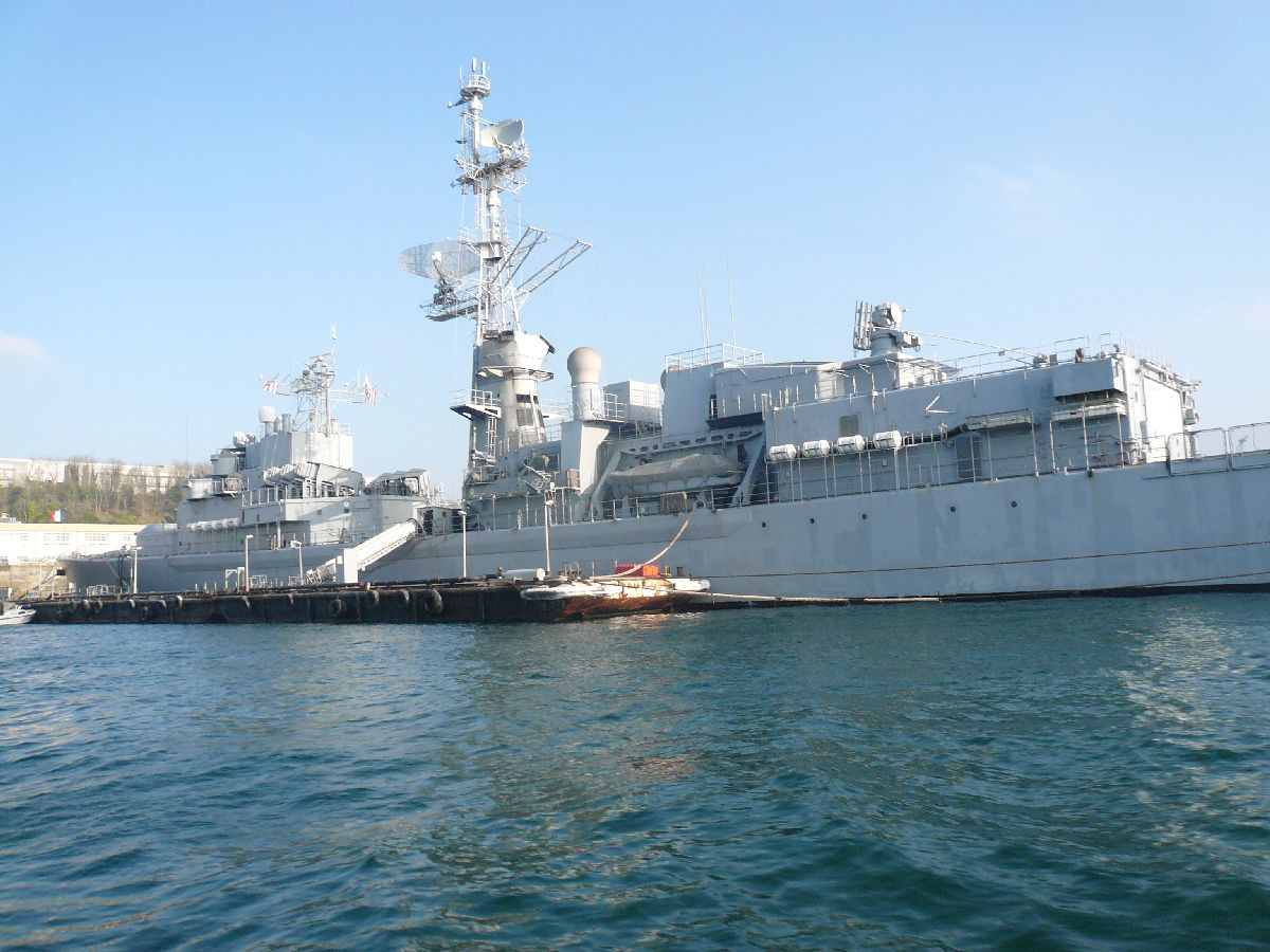 [Les ports militaires de métropole] Port de Brest - TOME 1 - Page 20 2812
