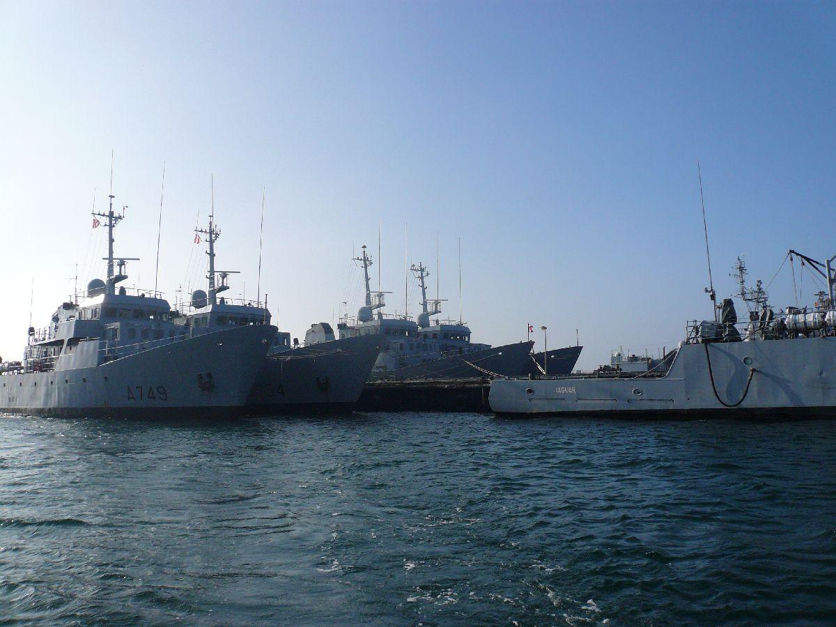 [Les ports militaires de métropole] Port de Brest - TOME 1 - Page 20 30la_m10