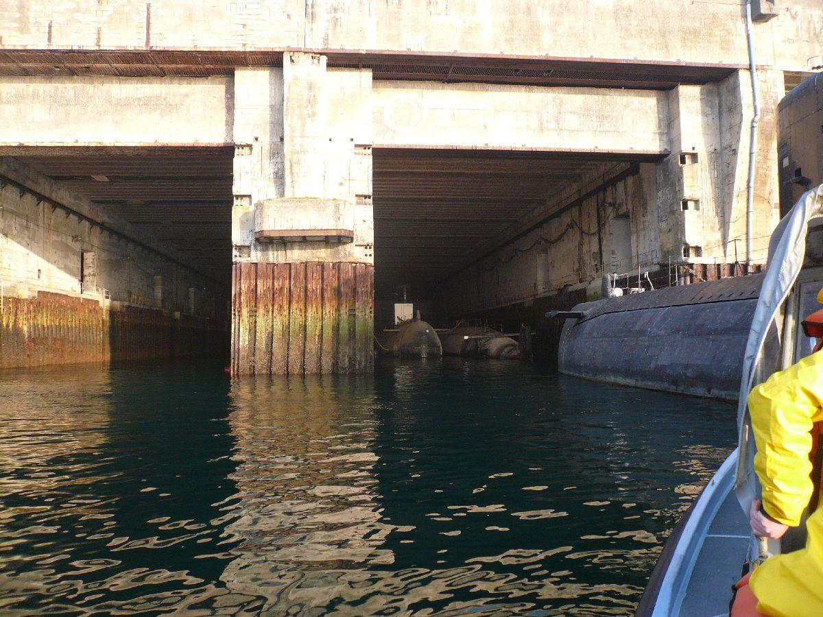 [Les ports militaires de métropole] Port de Brest - TOME 1 - Page 20 325