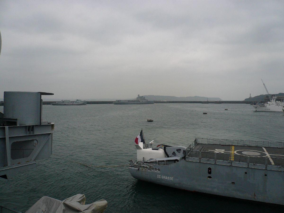 [Les ports militaires de métropole] Port de Brest - TOME 1 - Page 21 422