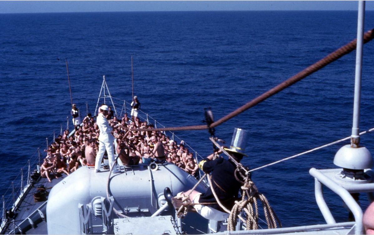 [ Les traditions dans la Marine ] LE PASSAGE DE LA LIGNE - ÉQUATEUR (Sujet unique) - Page 8 4_pass11