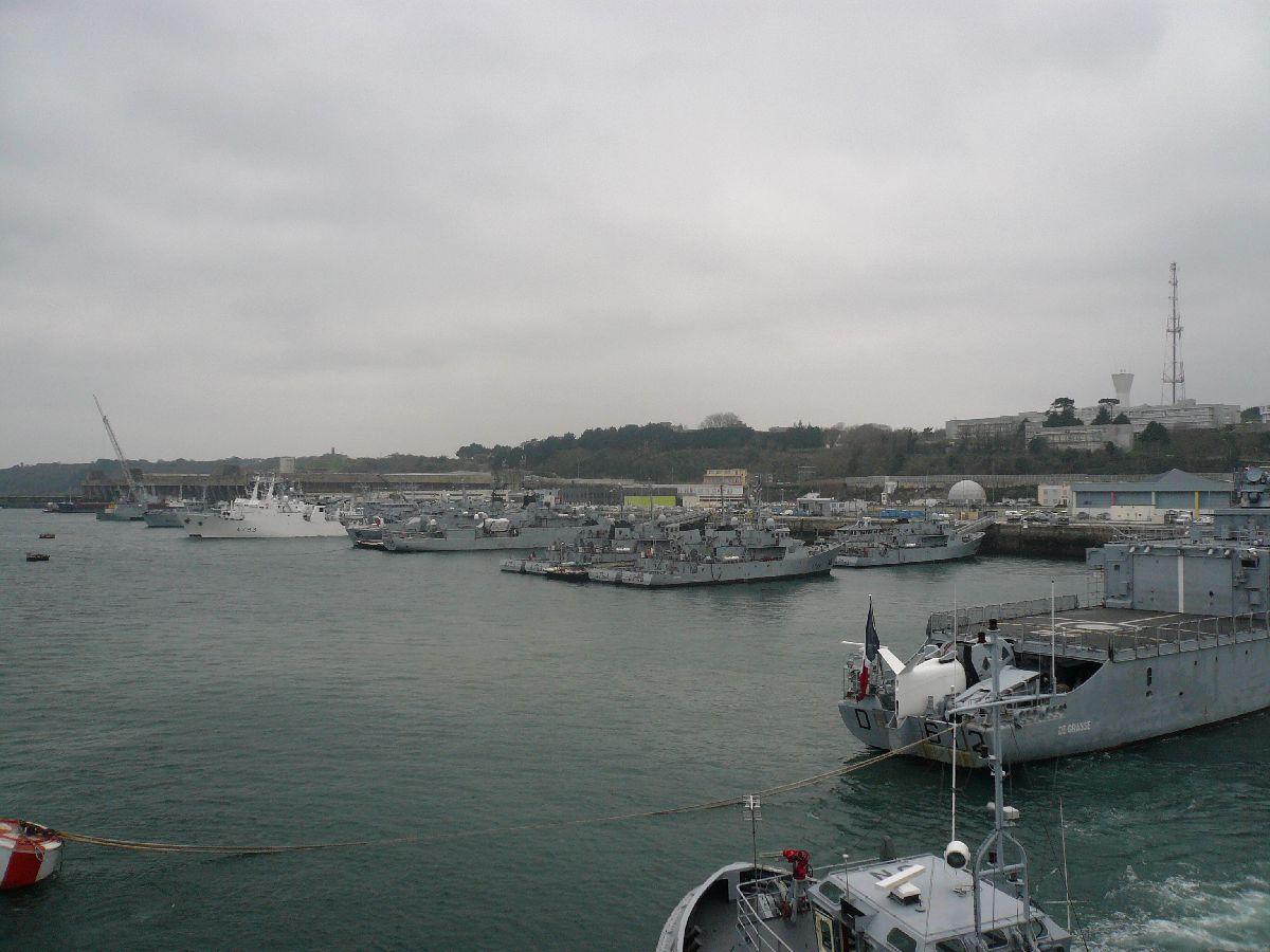 [Les ports militaires de métropole] Port de Brest - TOME 1 - Page 21 6vue_d10