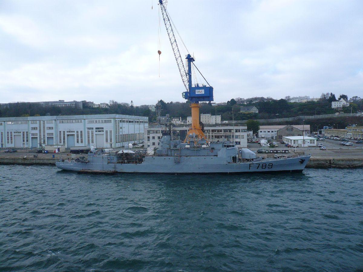 [Les ports militaires de métropole] Port de Brest - TOME 1 - Page 21 7lv_le10