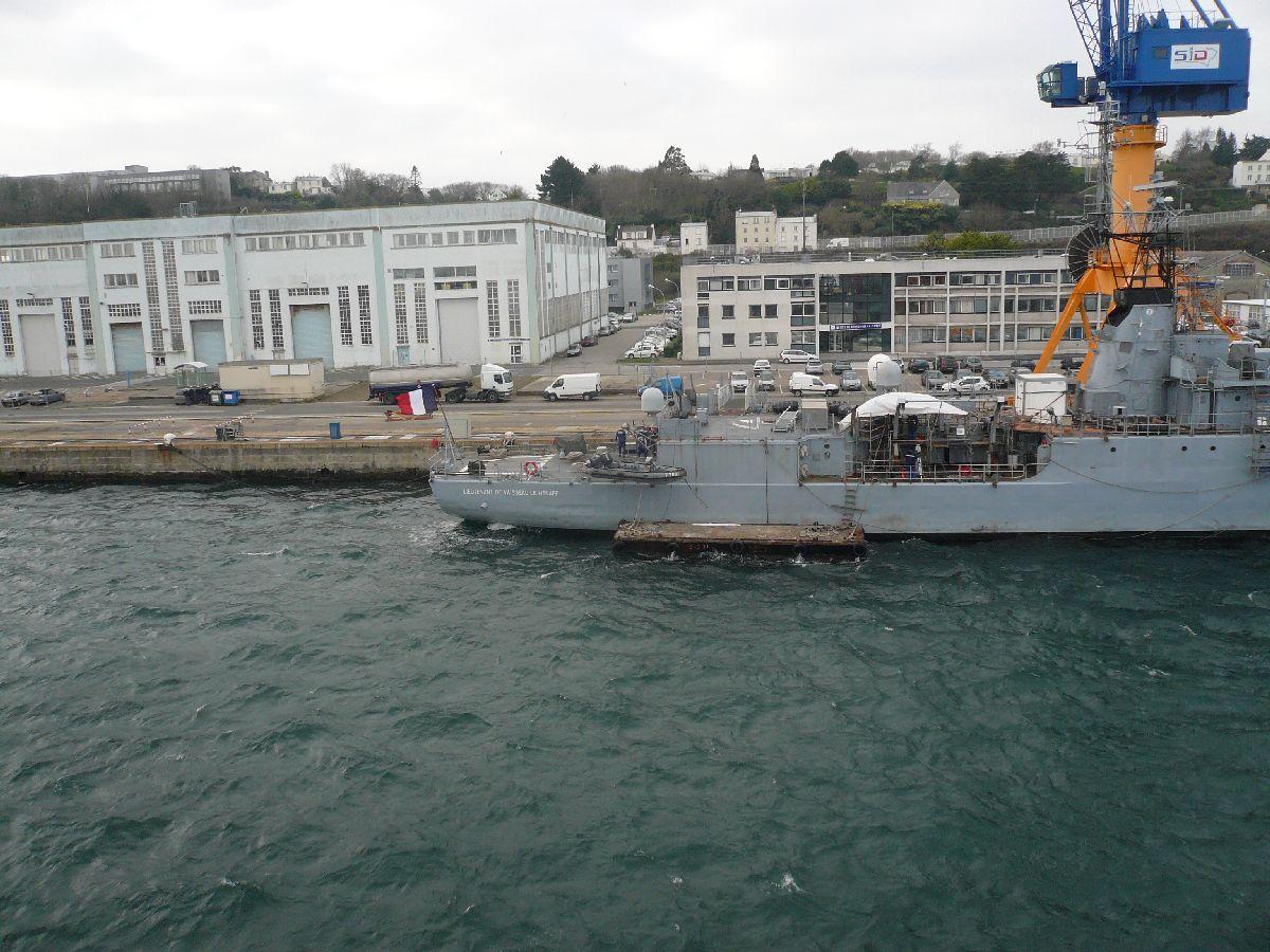 [Les ports militaires de métropole] Port de Brest - TOME 1 - Page 21 822