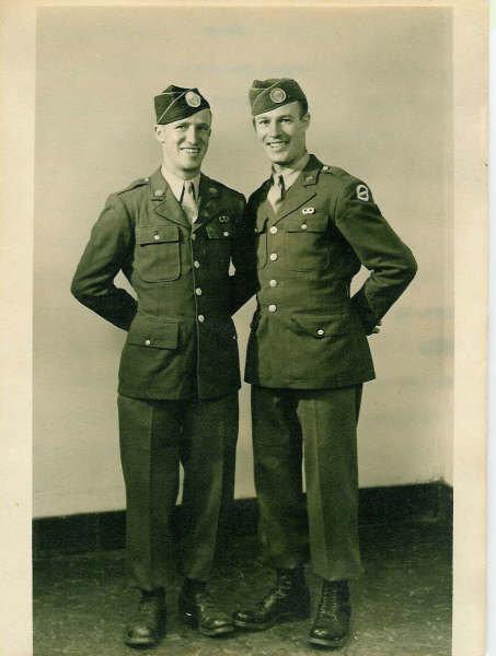 Airborne brothers.... Robert15