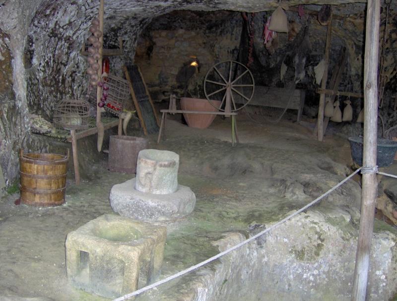 La Roque Saint-Christophe, Payzac-Le-Moustier, Dordogne, Fr. Hpim1325
