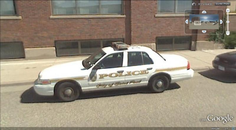 STREET VIEW : véhicules de police du monde - Page 2 Police16