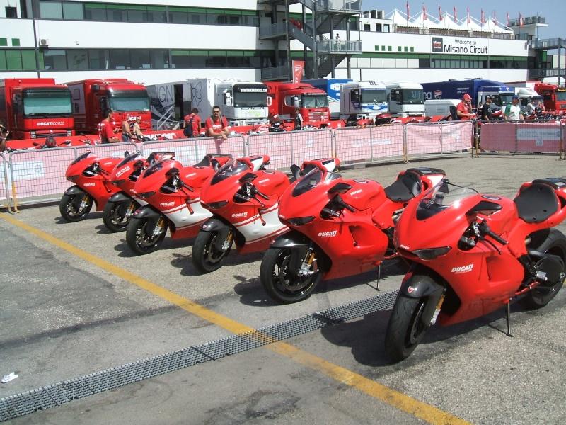 World Ducati Week - Page 2 Dscf2263