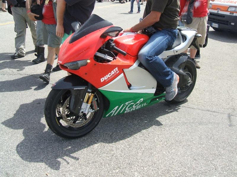 World Ducati Week - Page 2 Dscf2338