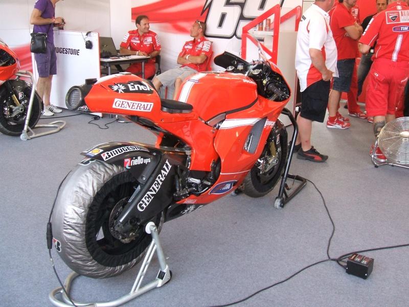 World Ducati Week - Page 2 Dscf2345