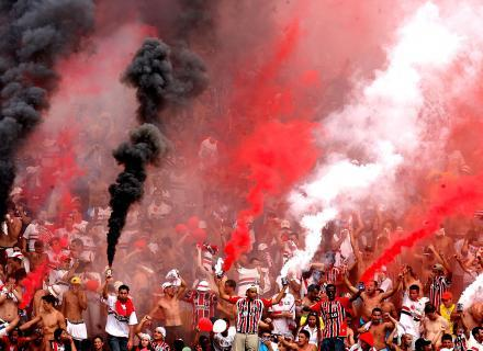 Photos Pyrotechnie (Torches, Pots à Fumée...) - Page 26 Atleti10
