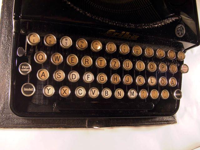 une Machine à écrire ERIKA SS Rimg0011