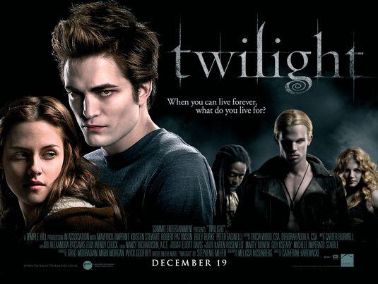 فيلم الفنتازيا الرومنسى Twilight نسخة DVBRip مدبلج عربى روابط مباشرة  Twilig11