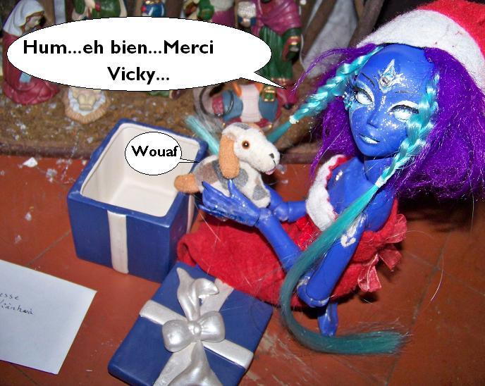 [La petite troupe de Vicky] L'ange millénaire (p11) - Page 2 100_4329