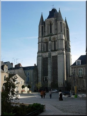 ANGERS 450px-10