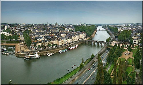 ANGERS 800px-17