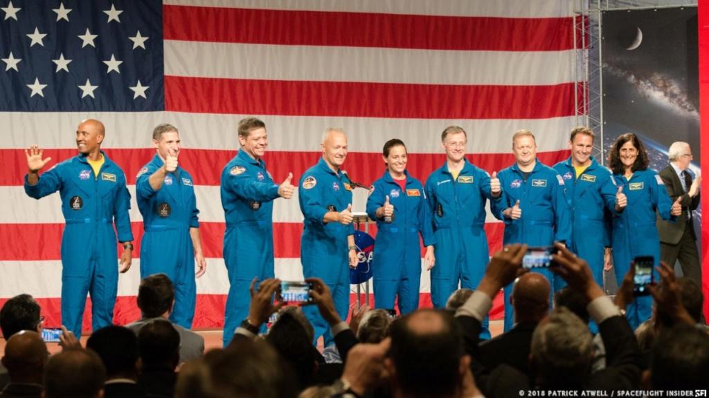 NASA - Présentation officielle des premiers équipages des CST-100 et Dragon Crew Ccp-as10