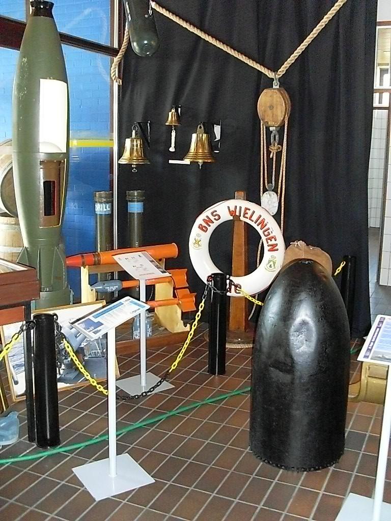 UN PETIT TOUR DANS LE PETIT MUSEE DE ZEEBRUGGE 03510
