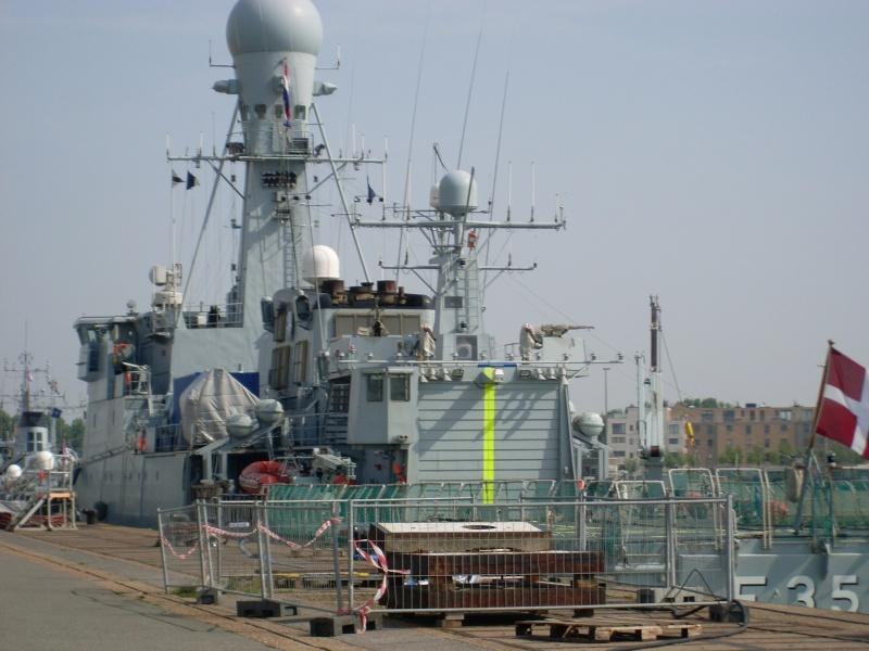 Zeebrugge naval base : news - Page 18 Sl371512