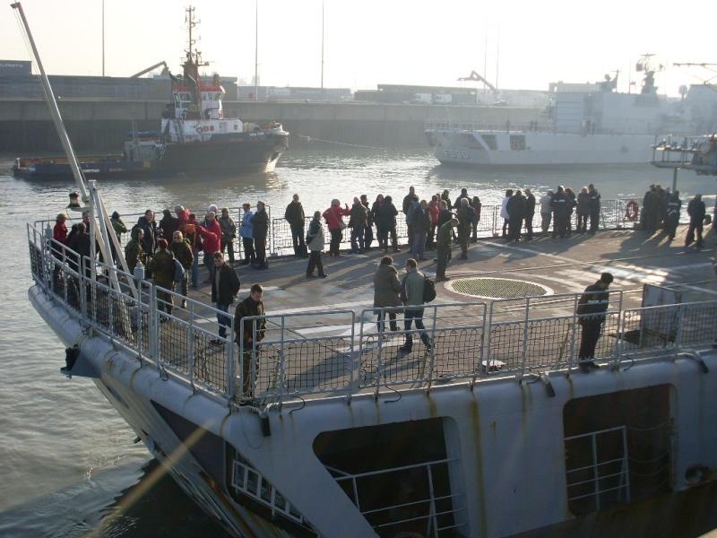 Journée des famille et départ pour Den Helder  Sl373917