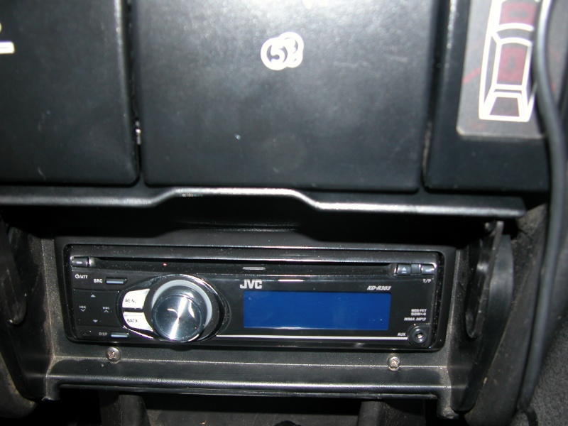 Comment installer un autoradio récent sur BX? Dscn0116