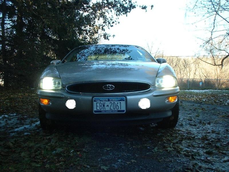 Driving lights in bumper Dscf0011
