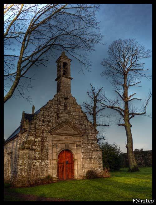 La petite chapelle... P1040112