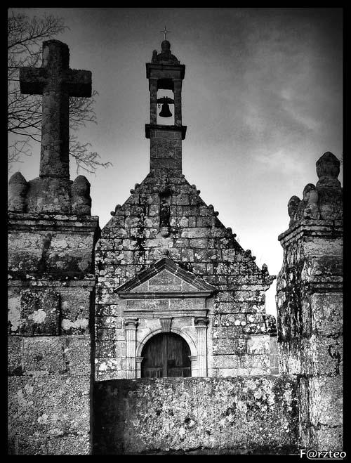 La petite chapelle... P1040116