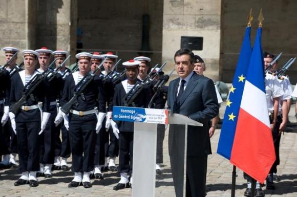 les cérémonies en hommage au général Marcel BIGEARD 10422015