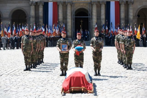 les cérémonies en hommage au général Marcel BIGEARD 10422016