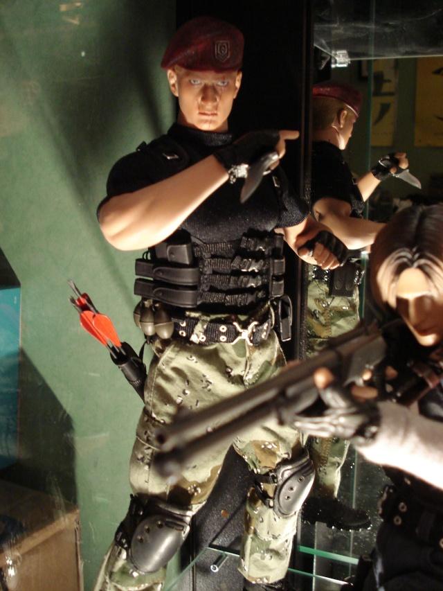 collec redfield MAJ 20/04/11 ->  Predator Family Dsc01910