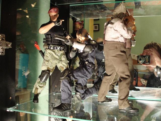 collec redfield MAJ 20/04/11 ->  Predator Family Dsc02612