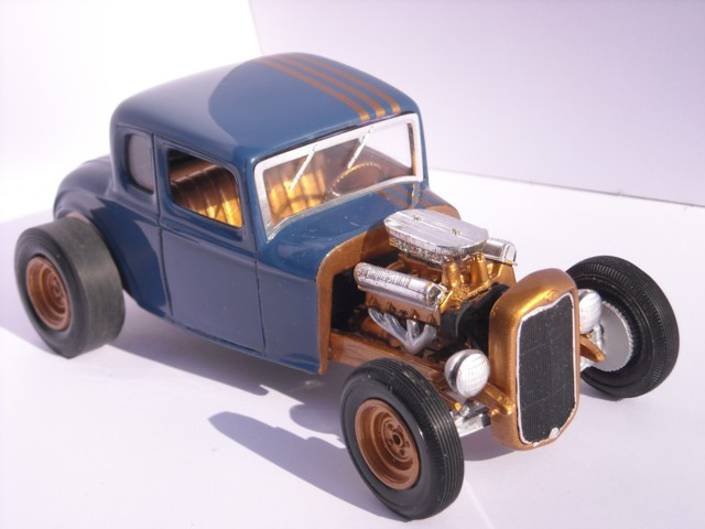 Ford 32  AMT 1/25 410