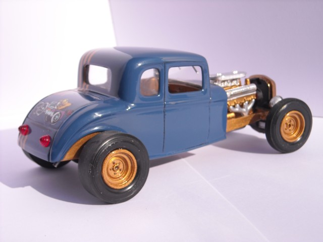 Ford 32  AMT 1/25 710