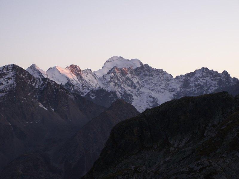 La Route des Grandes Alpes - Page 14 Barre_10