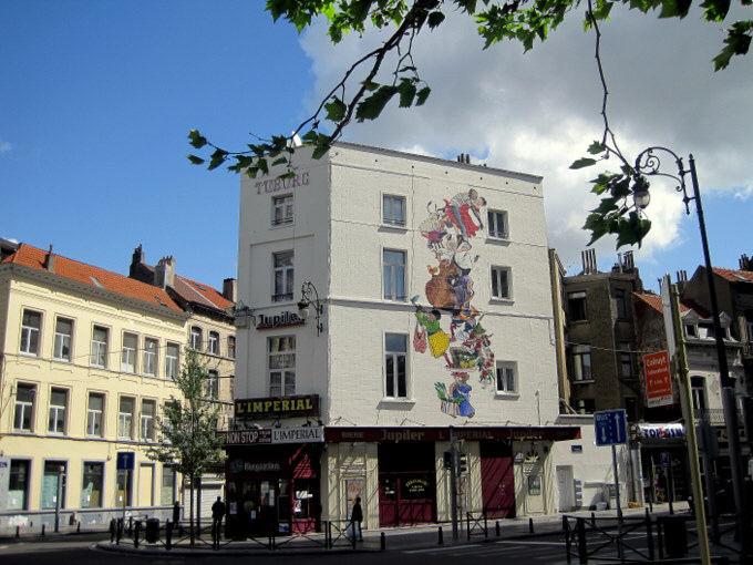 Les parcours BD de Bruxelles, Laeken et Anvers - Page 5 Dyn00411