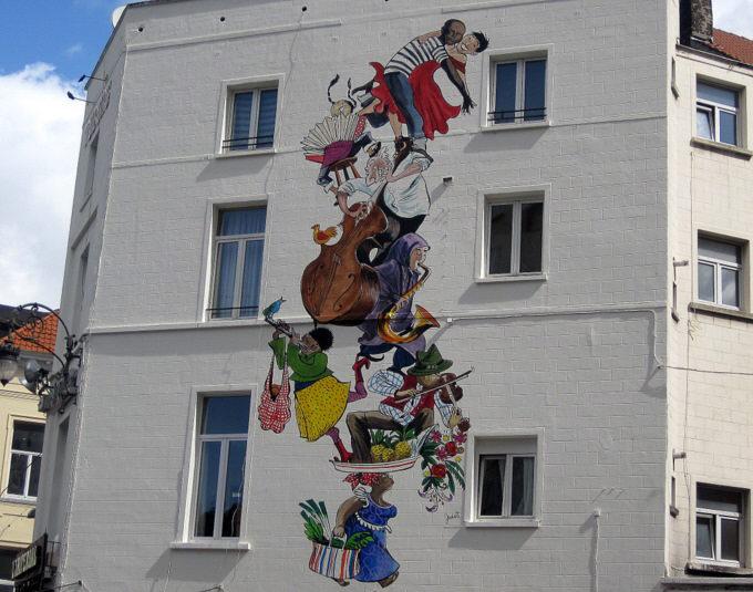 Les parcours BD de Bruxelles, Laeken et Anvers - Page 5 Dyn00510