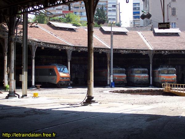 A la recherche des rotondes ferroviaires Img_1910
