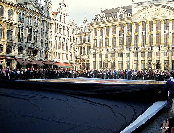 Les parcours BD de Bruxelles, Laeken et Anvers - Page 5 Lune_310