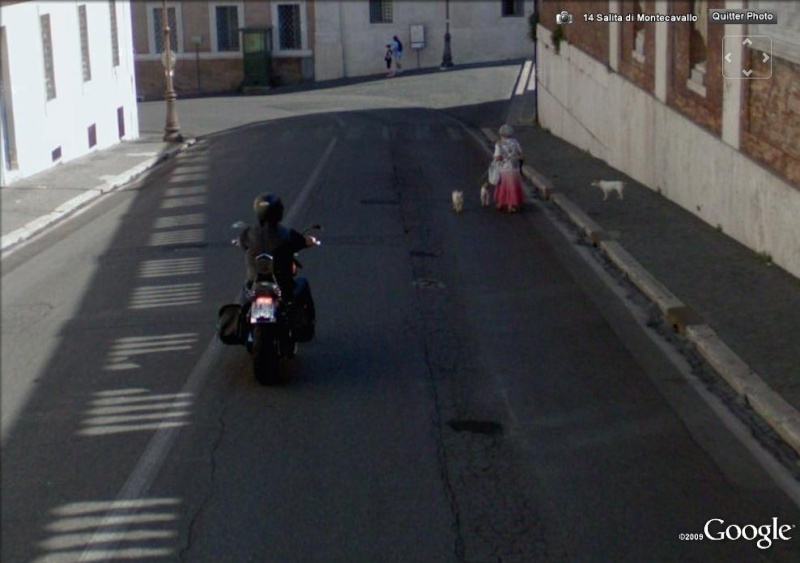 STREET VIEW : mama italienne qui s'en prend à un motard (Rome) Mama10