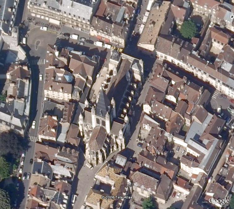 Monument emblématique des villes, région, pays Notre_10