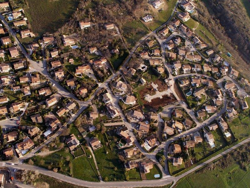 >> Pays de Forcalquier vu du ciel << - Page 2 Pict0037