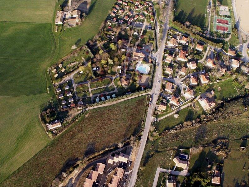 >> Pays de Forcalquier vu du ciel << - Page 2 Pict0038