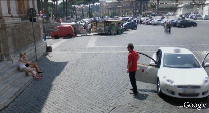STREET VIEW : jolies italiennes à Rome Taxxi10